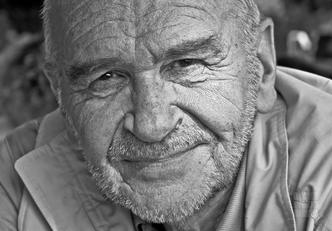 Foto Portrait Mann schwarzweiß